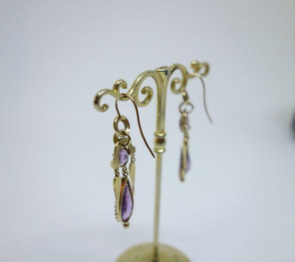 boucles d'oreilles pendantes en or avec améthystes 19ième siècle