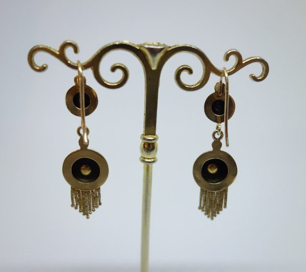 boucles d'oreilles pendantes en or avec onyx et demi-perles fines