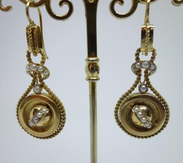 boucles d'oreilles pendantes or et demi-perles fines