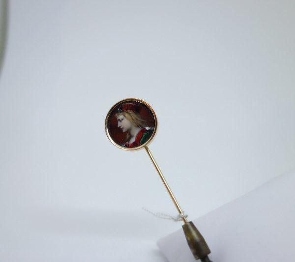 épingle or et miniature émaillée