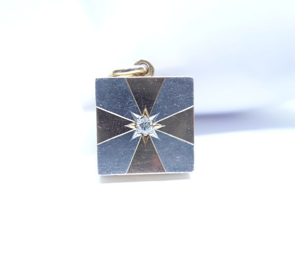 pendentif or ouvrant