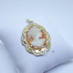 pendentif or camée coquillage