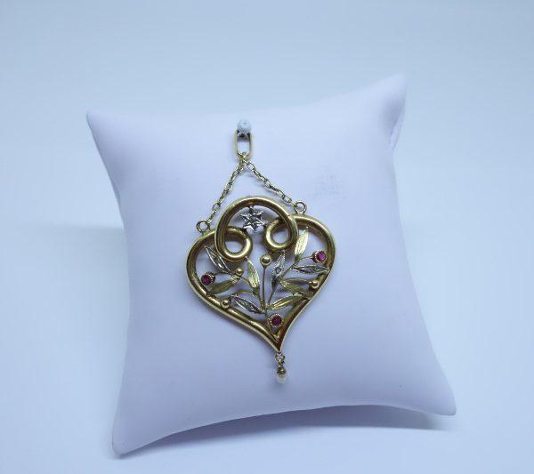 pendentif or art nouveau