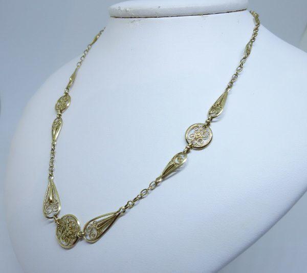 collier or jaune filigrané 1920