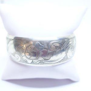 bracelet argent motif de rose