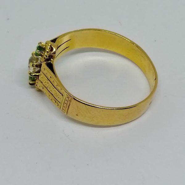 bague en or émeraudes et diamant de taille ancienne vers 1900