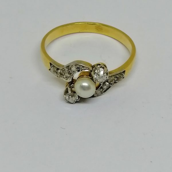 bague en or avec belle perle fine et diamants art nouveau vers 1900