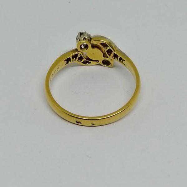 bague en or avec belle perle fine et diamants travail art nouveau vers 1900