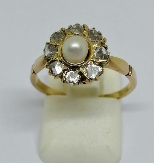 bague en or rosé avec roses de diamants et belle perle fine vers 1900