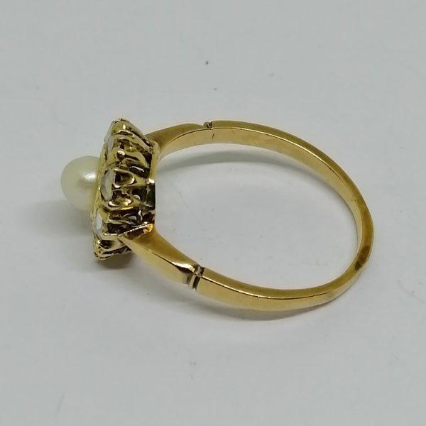 bague en or avec roses de diamants et belle perle fine travail art nouveau