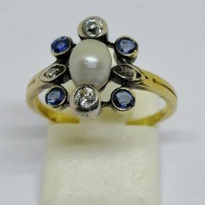 bague en or avec diamants et saphirs vers 1900