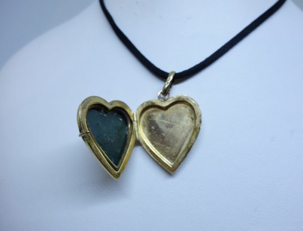 ancien pendentif coeur plaqué or porte-photo