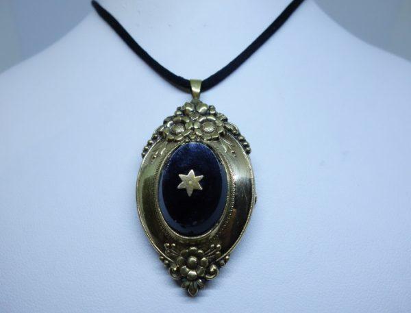 broche ou pendentif plaqué or fin 19ième siècle