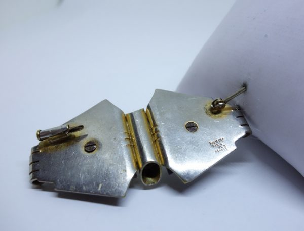 broche métal bicolore bakélite art déco