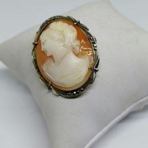 broche ou pendentif argent marcasites et camée coquillage