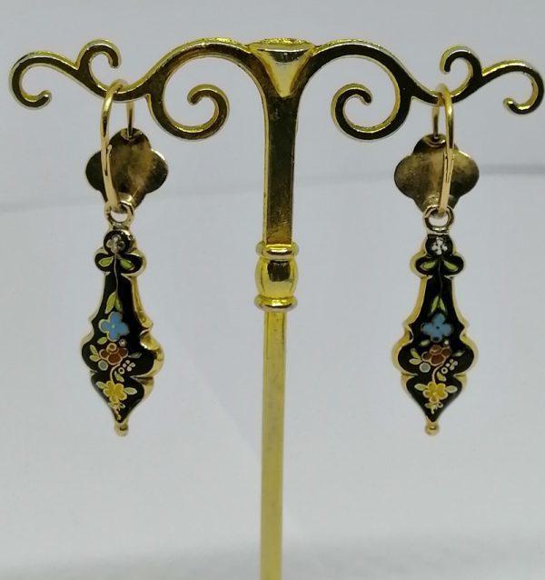 paire de boucles d'oreilles en or et émail pendantes milieu 1860