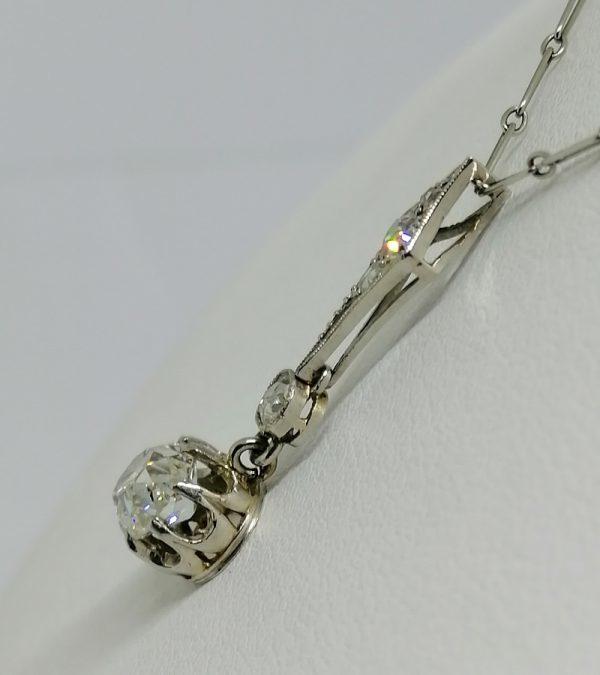 chaîne et pendentif en or gris avec diamants tailles anciennes 1930