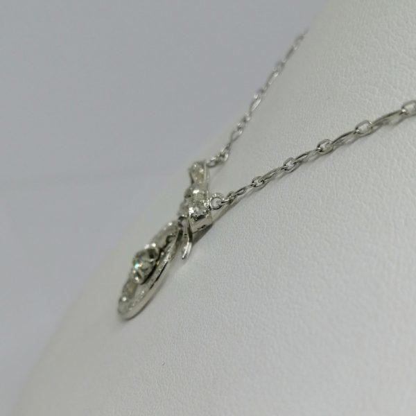 collier en or gris avec diamants art déco