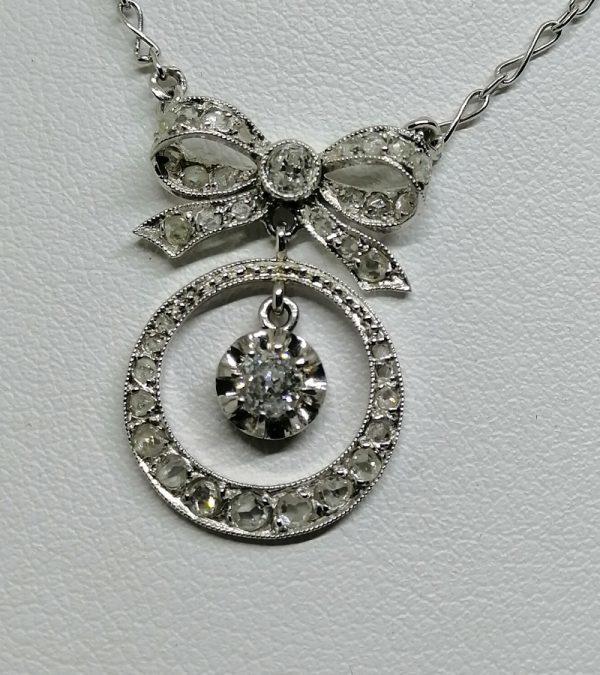 collier en or gris avec diamants 1930