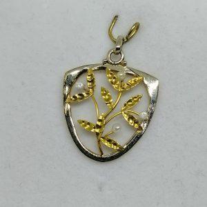 pendentif en or avec motif de gui art nouveau