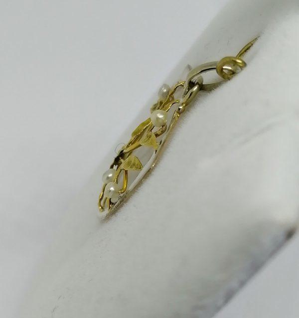 pendentif art nouveau en or avec motif de gui