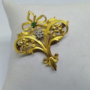 broche en or mat avec pierres art nouveau