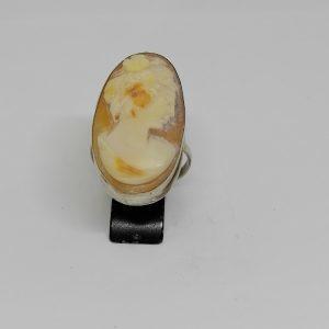 Bague argent avec camée coquillage de forme ovale 1920-30