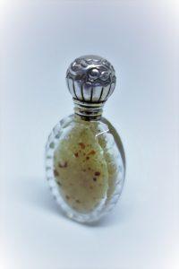 Flacon à sel argent et cristal taillé fin 19ième siècle.