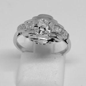 bague en or gris avec diamants art déco