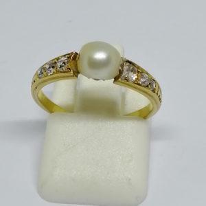 bague or jaune et grosse perle fine vers 1880