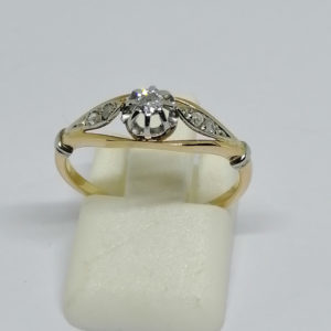 bague en or bicolore avec diamants vers 1900