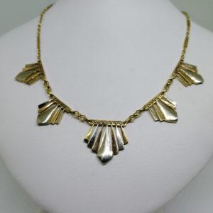 collier trois couleurs d'or avec motif géométrique art déco vers 1925
