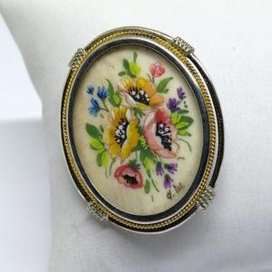 broche/pendentif argent et vermeil, avec peinture miniature représentant des fleurs vers 1930-40.
