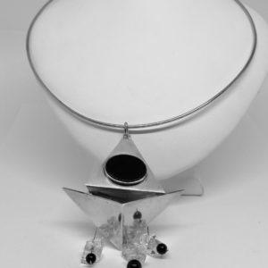 collier argent créateur avec onyx et cristal de roche vintage